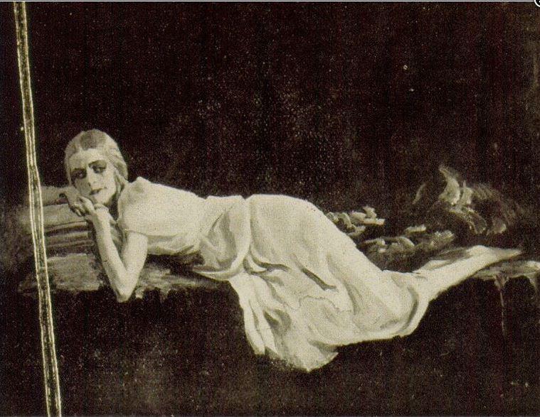 Giuseppe Amisani - donna distesa
