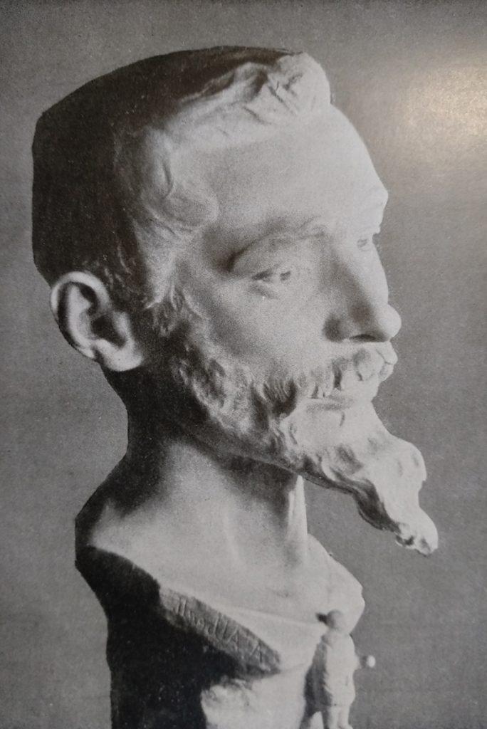 Achille Alberti Gian Pietro Lucini opera realizzata in marmo