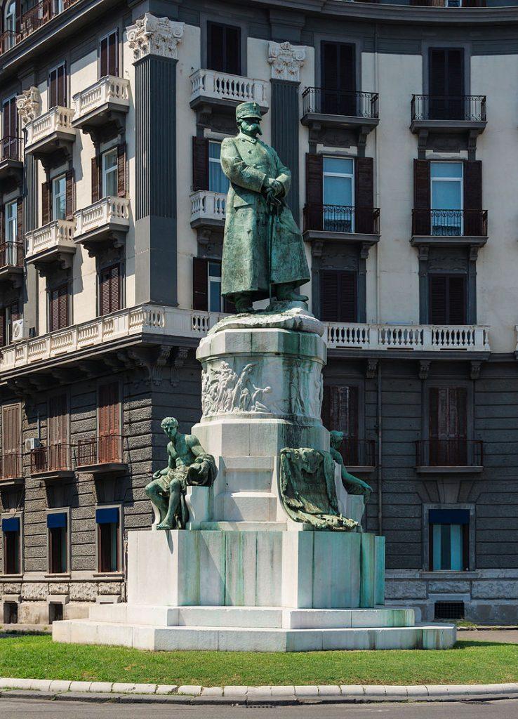 ACHILLE D'ORSI Monumento al Re Umberto Napoli