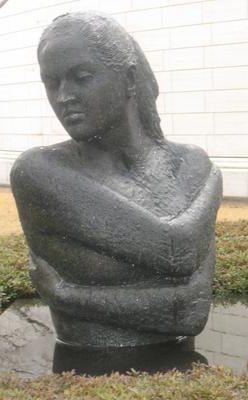 Emilio Greco Laura scultura in bronzo 1973 Museo di Hiroshima
