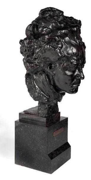 Busto di Beethoven, bronzo patinato marrone-verde, firmato Alfredo PINA, scultore milanese (1887-1966)