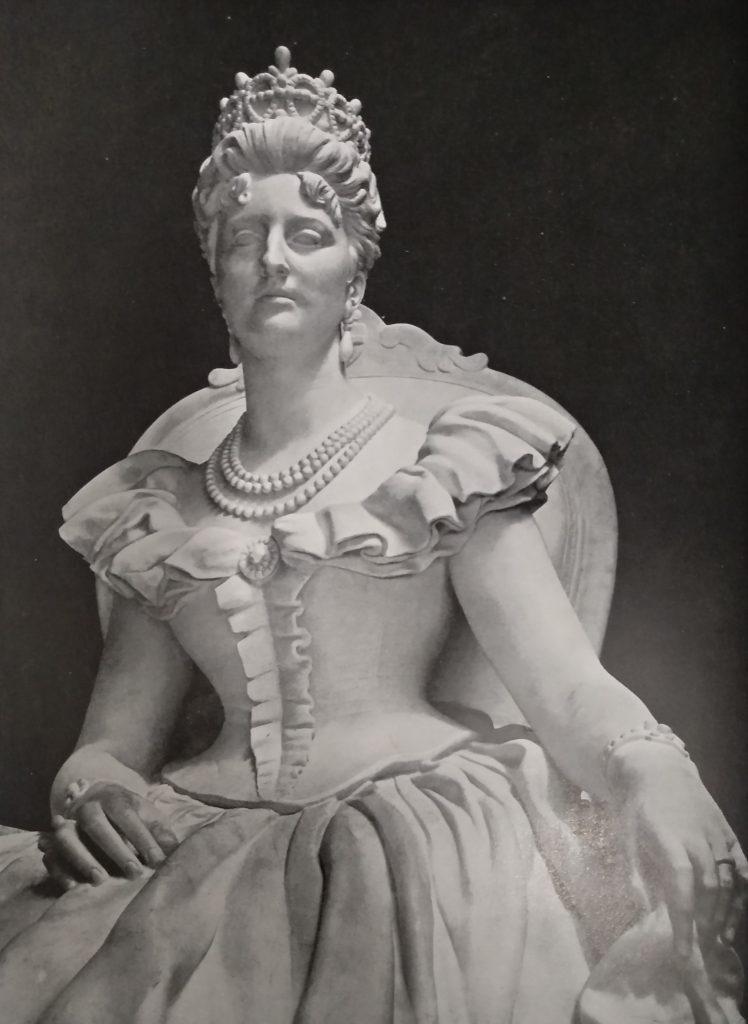Italo Griselli - Monumento a Margherita di Savoia in marmo