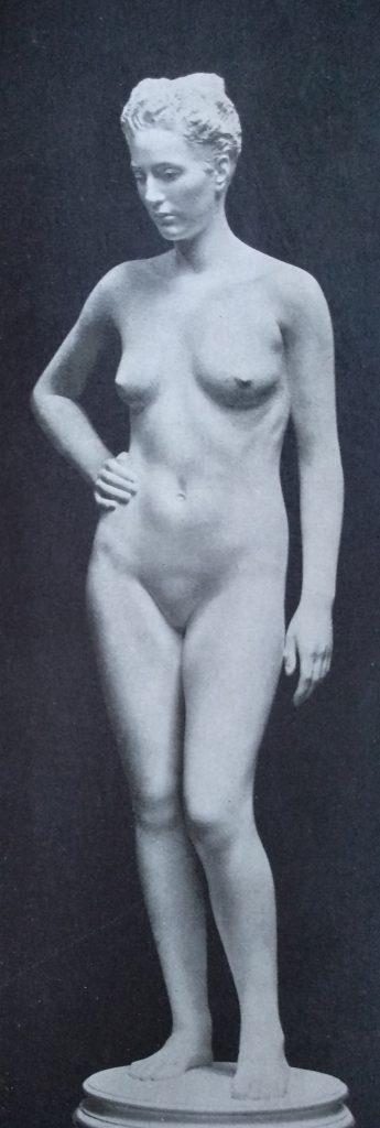 Michele Guerrisi Ragazza in piedi in Marmo
