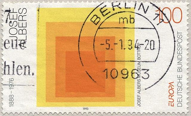 Omaggio alla piazza del Museo Josef Albers su un francobollo di Bundespost, 1993